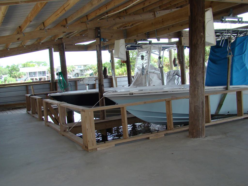boat house; two lifts and entertainment area